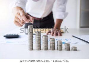 uang, tangan, meja, putih