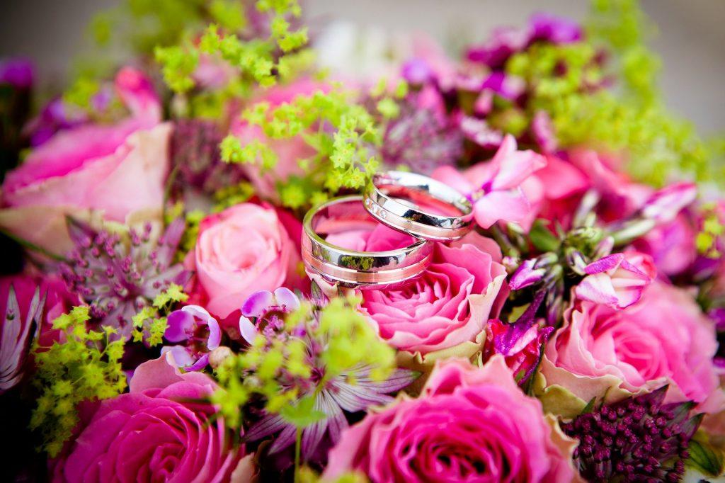 bunga,cincin.pernikahan,mawar