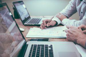 laptop, akuntansi, bolpen, menulis, meja